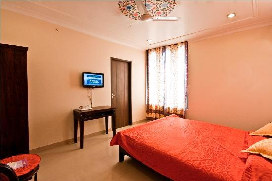 Super Maya Niwas Jaipur Rajasthan Hotel Reviews Photos Rate Download Free Architecture Designs Itiscsunscenecom