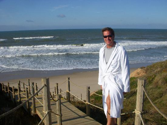 Praia D'El Rey Marriott Golf & Beach Resort: water was chilly in November
