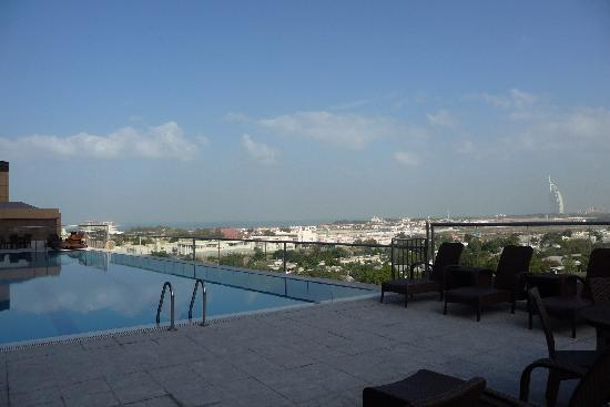Gloria Hotel: pool with a view