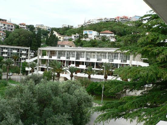 Hotel Mediteran Ulcinj: budynek główny-recepcja, restauracja