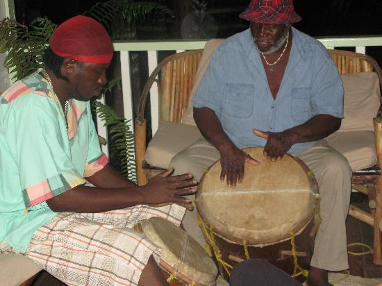 Hickatee Cottages: mario and ray drumming garifuna style