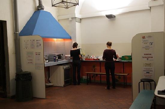 Hostel Santa Monaca: cucina