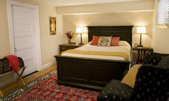 Woodley Park Guest House: Room 107