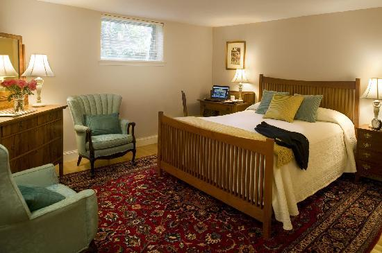 Woodley Park Guest House: Room 108