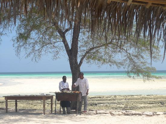 Vamizi Island: bbq on the beach