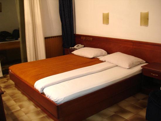 Hotel Plaza: Camera da letto
