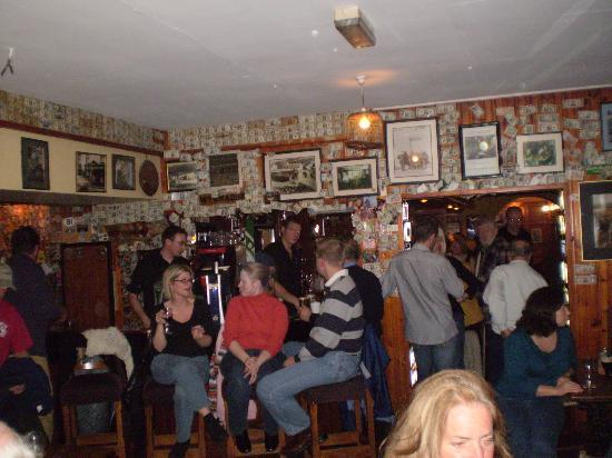There's nothing quite like an old-fashioned Irish pub, and the older the better.Here are 7 must-visit pub crawls in Ireland.