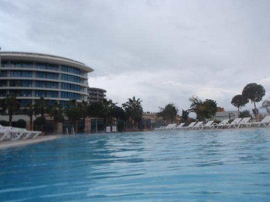 piscine chauffée a 27 degré