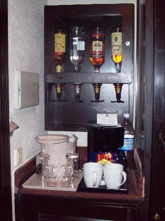 Hotel Riu Palace Tropical Bay: In room bar