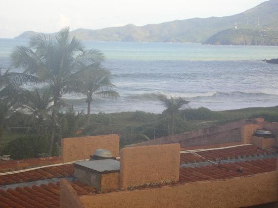 Costa Caribe Beach Hotel & Resort: Vue de la suite