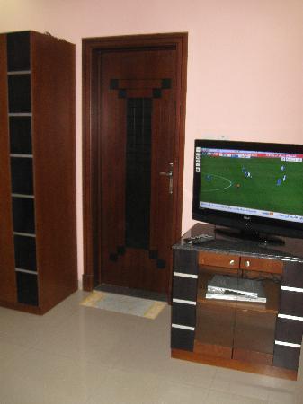 Fareeda Palace Apartments: TV