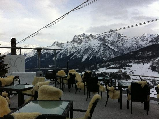 Hotel Paradies: Outdoor Bar Terrace and View