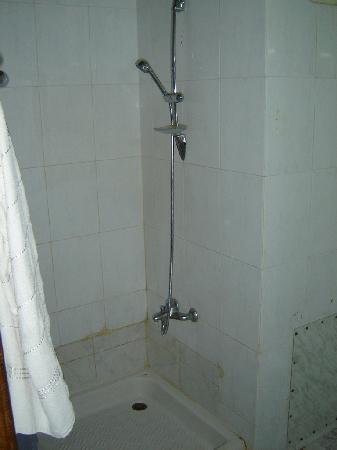 Baño habitación doble. Tower Hotel. Palmyra. Siria.