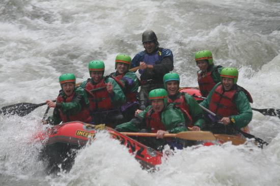 Rafting New Zealand : Doing the rapids.