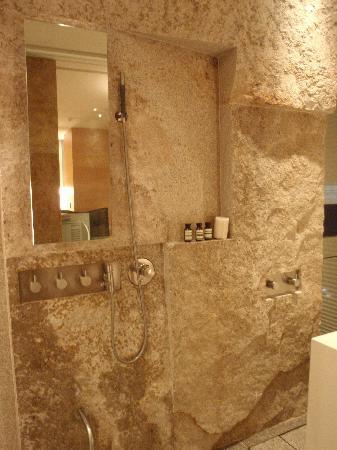 Park Hyatt Seoul : shower