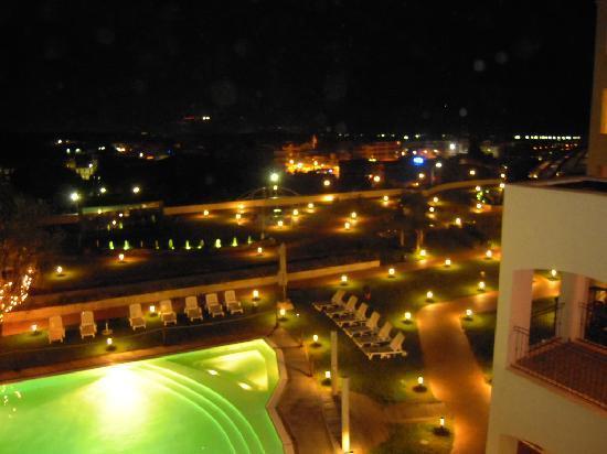Terme Vigliatore, Italy: La vista della nostra stanza di notte