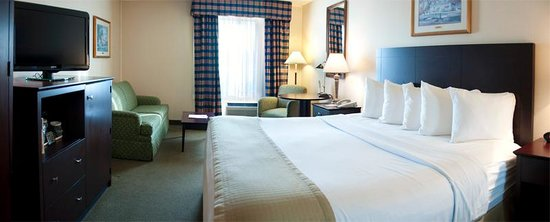 The Milton Hotel: Newly renovated king bed room