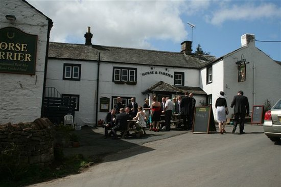 The Horse and Farrier Inn
