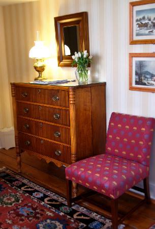 Griswold Inn: Junior Suite - Room 3 - Detail