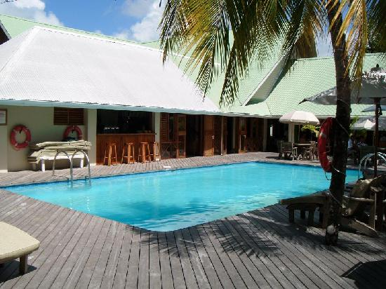 Indian Ocean Lodge: pool and pool bar