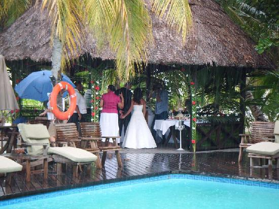 Indian Ocean Lodge : The Wedding (Theres lots more)