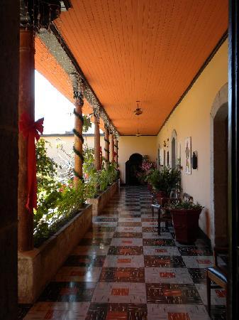Hotel Modelo: courtyard