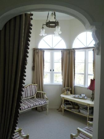 Country Lane Homestay: Soak up the sun or read a book in the quaint turret