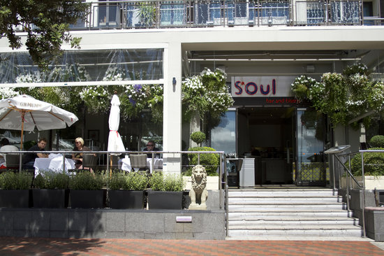 Soul Bar and Bistro: front view
