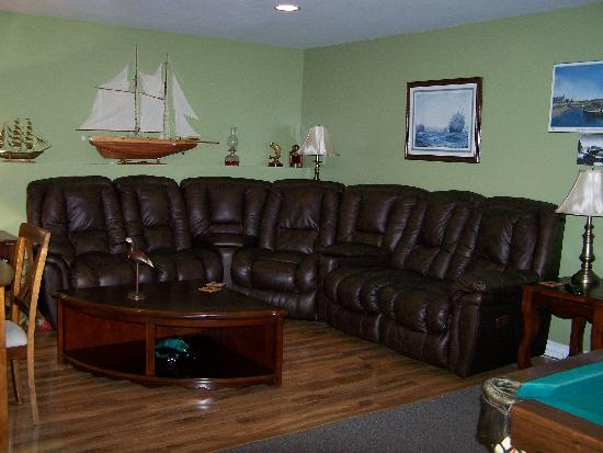 Eastern Passage Bed & Breakfast: The Guest sitting room.