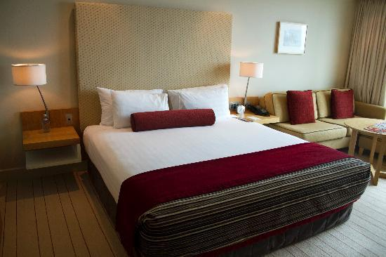 SKYCITY Grand Hotel: bed