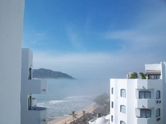 Ramada Resort Mazatlan: Morning fog from the balcony