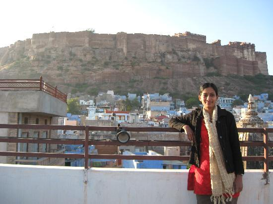 Ganpati Guest house: the fort from the rooftop restaurant