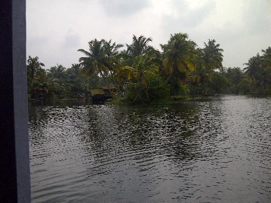 Coir Village Lake Resort: view from out side