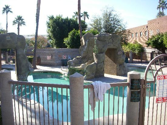 Courtyard Nice And Shady For Hot Arizona Days Picture Of Wyndham Garden Phoenix Midtown