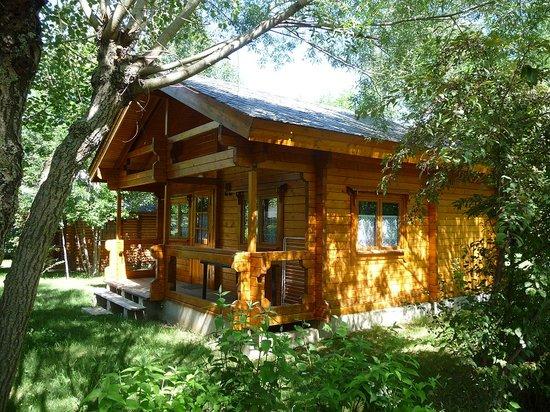 L'Escapade Parc Residentiel de Loisirs: L'Escapade - Location de chalets en Pyrenees Orientales 66