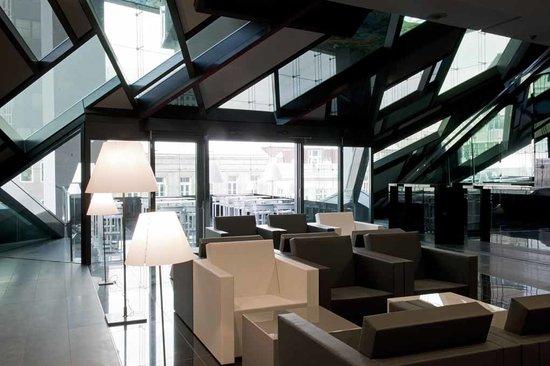 Sofitel Vienna Stephansdom: Foyer Meeting Area
