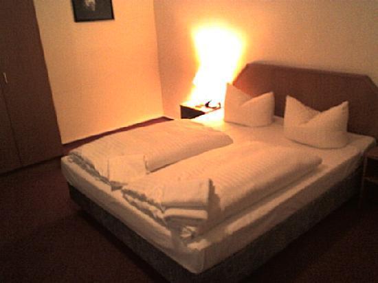 Hotel Everest: Zimmer
