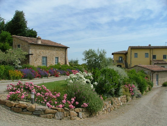 Agriturismo Guardastelle : VIRGO Apartment and main house