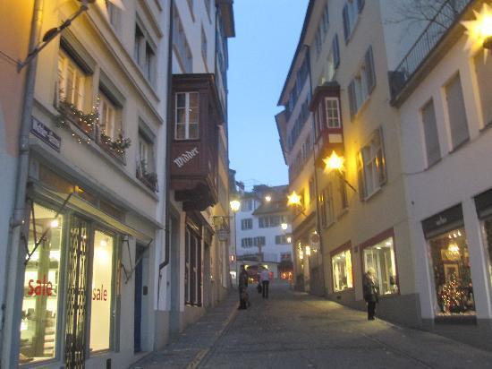Bahnhofstrasse : Strolling at Night