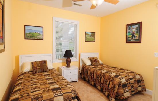 Myrtlewood Villas Guest Bedroom