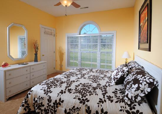 Myrtlewood Villas: Master Bedroom