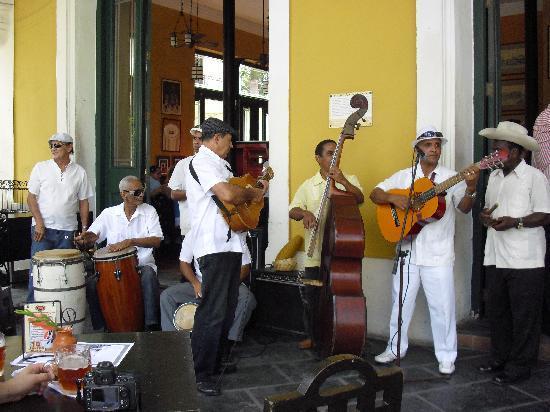 Plaza Vieja : La mejor musica cubana