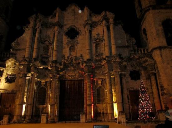 Havana Cathedral: At night