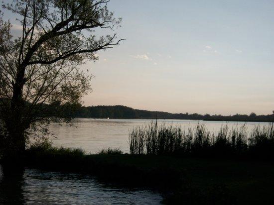Riverview Motel: sunset