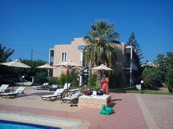Hotel Peli: :)