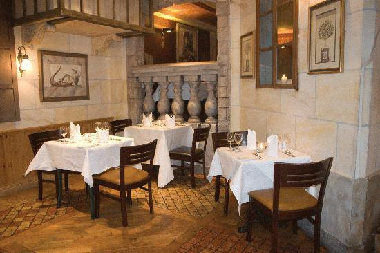 The Plaza Hotel : The Olive Tree Restaurant