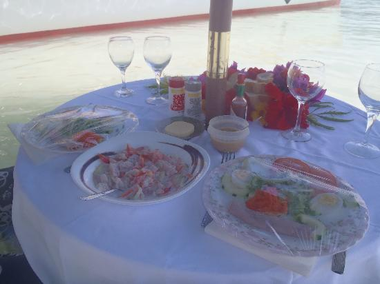 Keishi Tours: Lunch is served