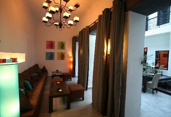 Riad villa wenge b b marrakech maroc voir les tarifs for Salon zen rabat tarifs