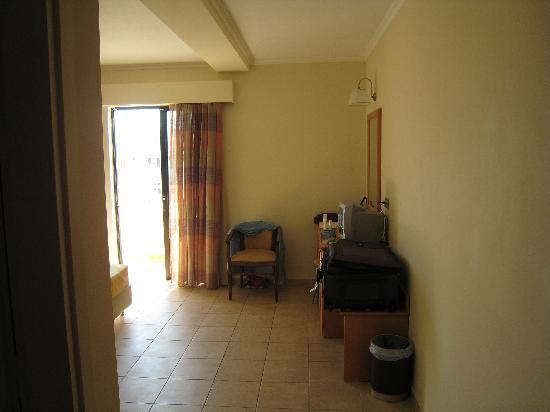 Cleopatra Classic Hotel: bedroom, 2nd floor