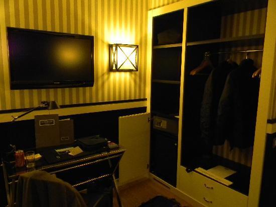 EuroPark Hotel: Angolo guardaroba